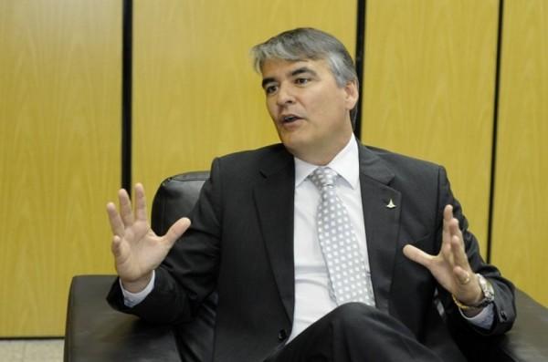 Em entrevista ao Jornal de Brasília, chefe da Casa Civil, Sérgio Sampaio, declara que governo pretende aumentar IPTU em até 20%