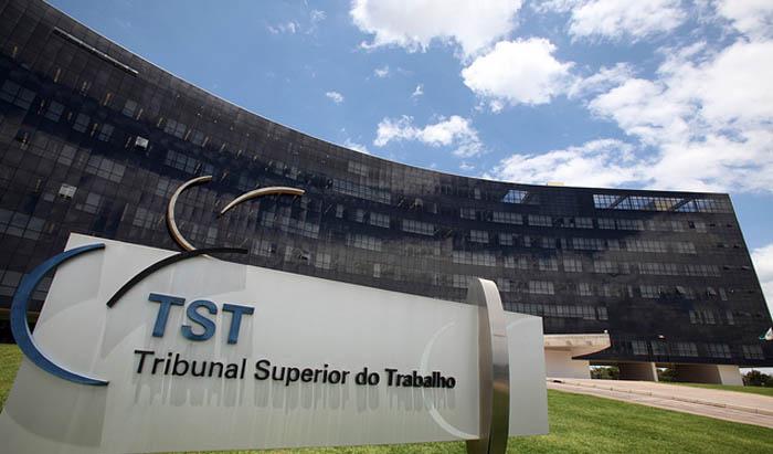 Comissão de trabalhadores não tem competência para deflagrar greve, diz TST